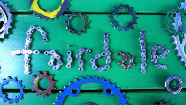 fairdale-chain-font-w_cogs